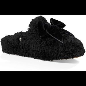 UGG slippers NWT
